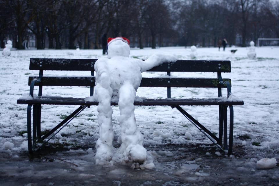 [Snowman Relaxing]