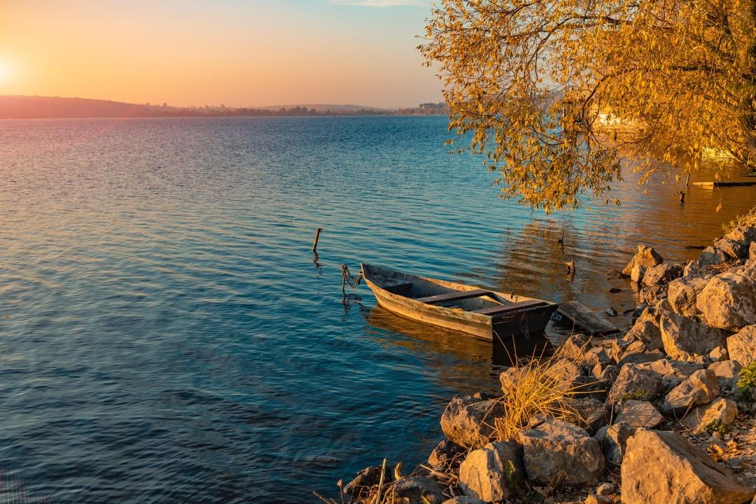 2021 Boat on Lake